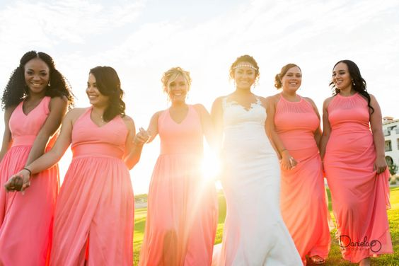 Love the bridesmaids photos and the colors. By: Daniela Ortiz Photo