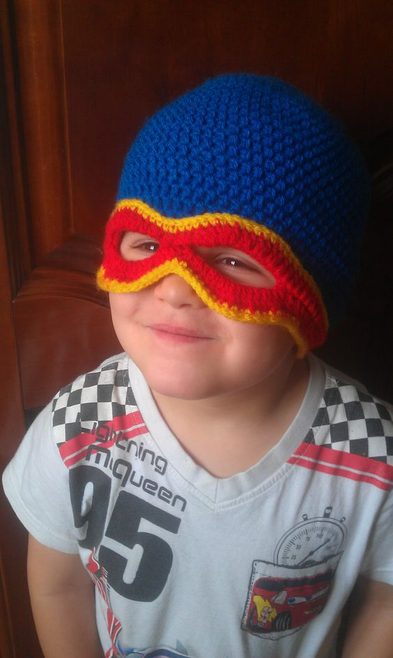 myriam walton bonnet superhros au crochet
