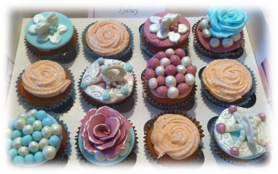 Carousel themed vintage cupcakes