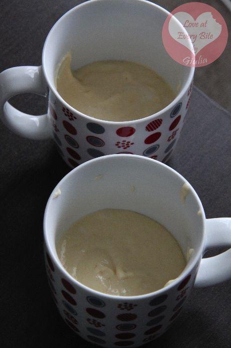 Torta allo yogurt in tazza (cottura in microonde) - Yogurt Mug Cake (microwave baked) | Loveateverybite