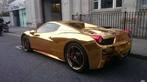 Imagem De Liliam Oliveira With Images Gold Car Ferrari 458