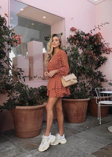 Long Sleeve Dress / Street style fashion / #dress #fashion #womensfashion #streetstyle #ootd #style / Pinterest: @fromluxewithlove