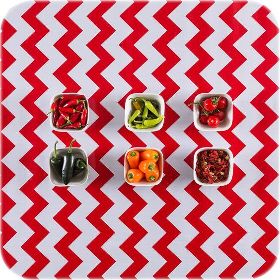 tafelzeil vierkant 1,20x1,20m ZigZag Chevron rood MixMamas, tafelzeil, Spaanse schoenen, bonfim gelukslint, luiertassen, oilcloth, wachstuch