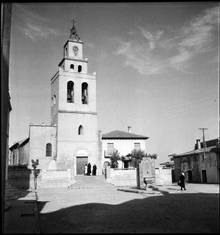 Església Parròquial. Sant Quirze es va constituir com a municipi el 1832 per segregació de Sant Pere de Terrassa, i prèviament de Terrassa