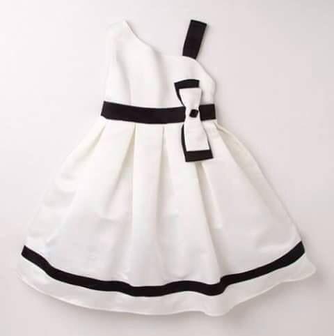 Vestido elegante para niña.