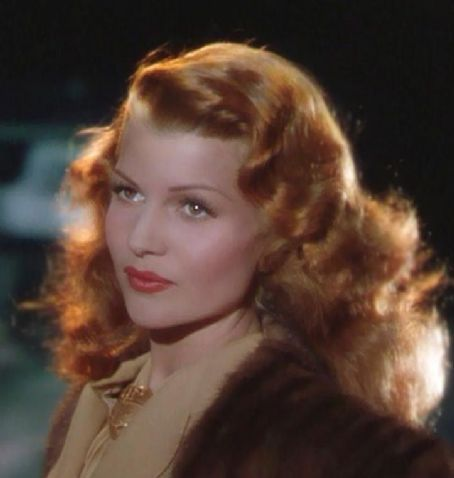 Rita Hayworth and her magnificent fire-red hair :) <3