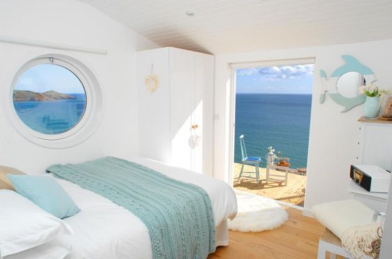 The Edge, a small beach cottage in Cornwall - rented through Unique Home Stays