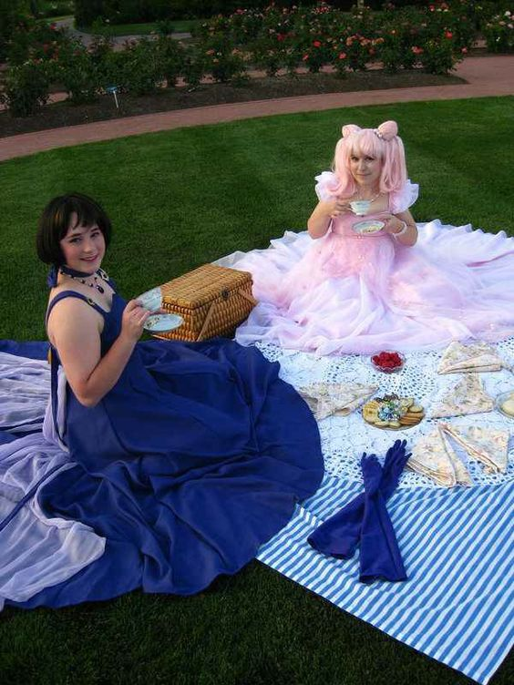 Pretty dresses on a picnic