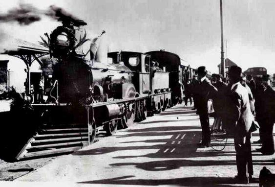 Bahía Blanca, Provincia de Buenos Aires, Argentina, Historia de Bahía Blanca, Fotos antiguas de Bahía  Llegada del F.F.C.C. del Sud a Bahía Blanca en 1884.