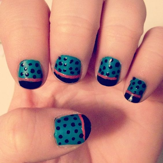 2014 Day 5: Blue nails