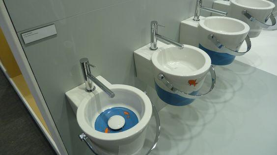 Und ein paar WCs - auch für die Kleinen. Niedlich.