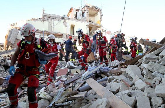 Bei dem verheerenden Erdbeben im Zentrum Italiens sind nach Angaben des Premiers…