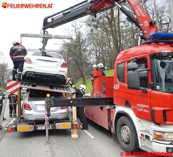 BF Wien: Unfall mit Autotransporter auf der Grünbergstraße #feuerwehr #wien #firemen #vienna