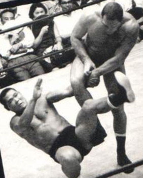 Karl Gotch vs Michiaki Yoshimura, Japan, 1966
