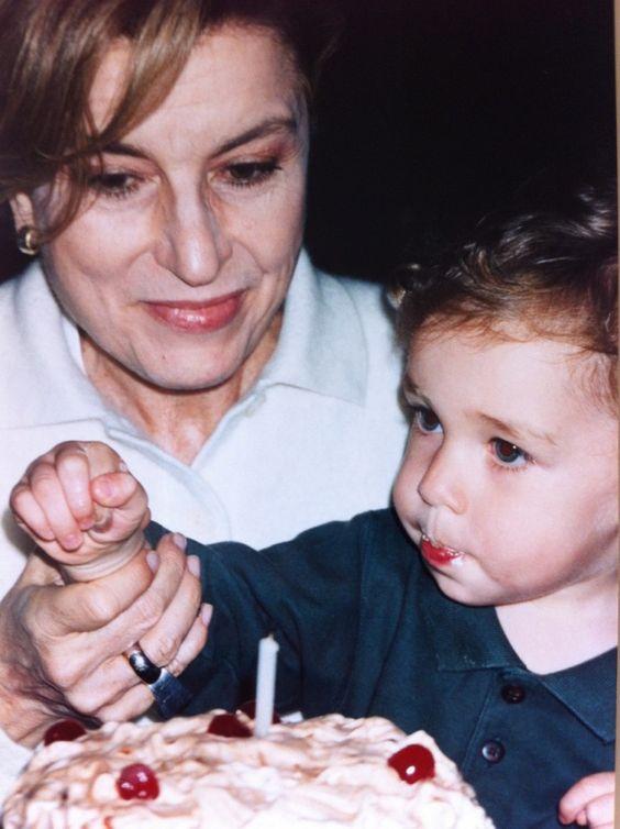 Minha mãe no aniversário de 1 anos do Cosimo!  Que amooooorrrrr!