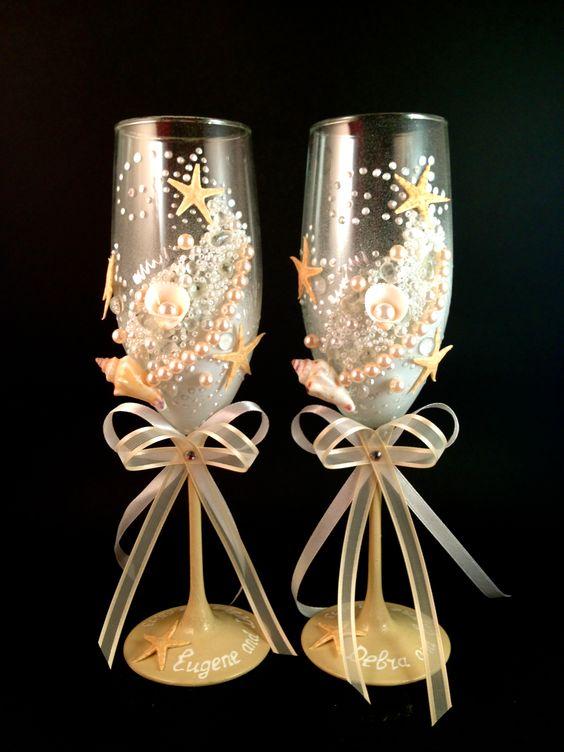 MyBridalglasses.com Custom hand decorated wedding champagne glasses.