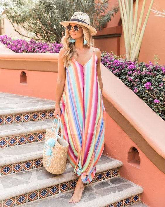 give us all the colors🌈LINK -> BIO to snag this maxi before it's gone! #pinklily #thepinklilyboutique