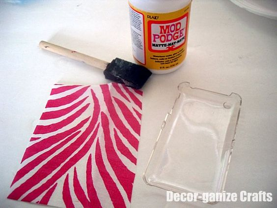 DIY cell phone case with Mod Podge - such a great idea!
