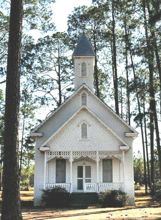 Quaint country chapel in Ruskin, Georgia