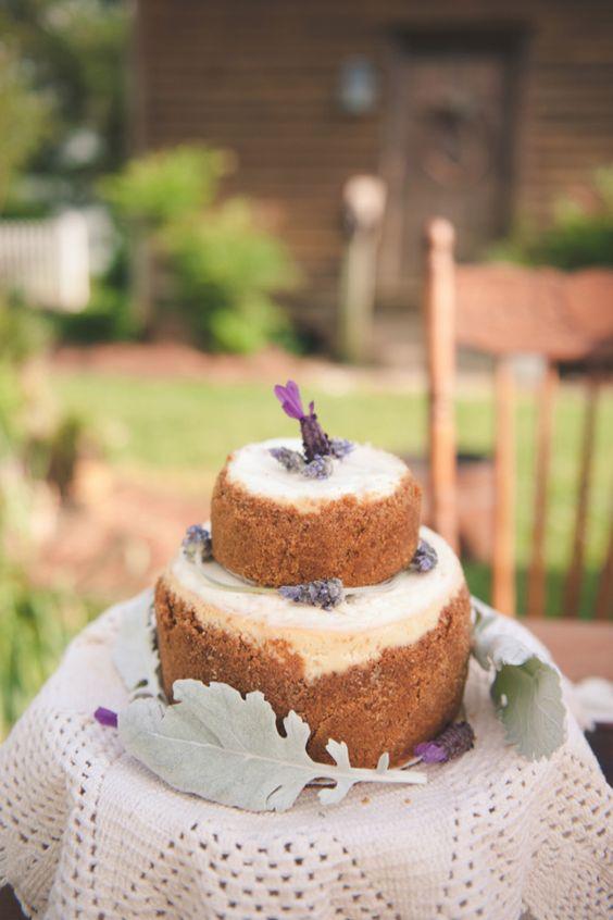 Lavender wedding cake / Bit of Ivory Photography