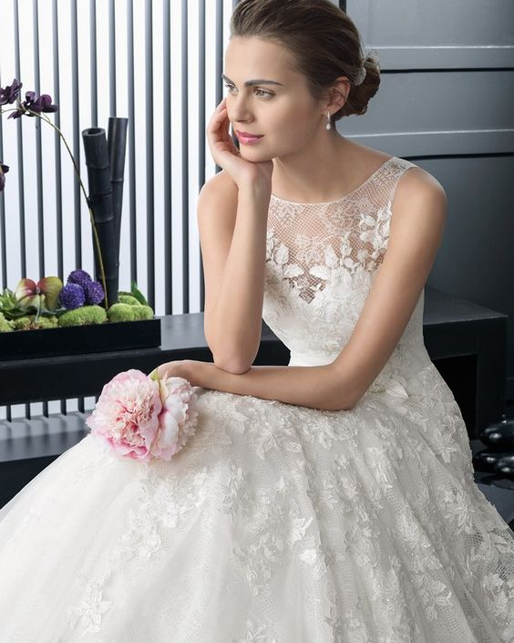 Rent or Buy Designer Bridal Dresses in Singapore.  Wedding ...