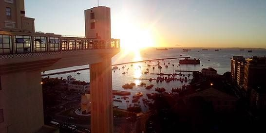 """""""Salvador, Bahia, território africano   Baiano sou eu, é você, somos nós,   Uma voz, um tambor..."""" (Raiz de Todo Bem - Saulo)"""