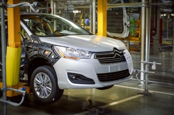 Citroën ya produce el nuevo C4 sedán en -y para- Rusia
