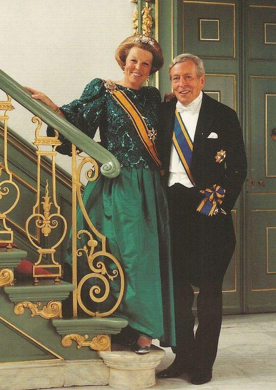 PRINZESSIN BEATRIX-PRINZ CLAUS-Oranje-Adel-Royal-ORIGINAL POSTCARD-KÖNIGSHAUS