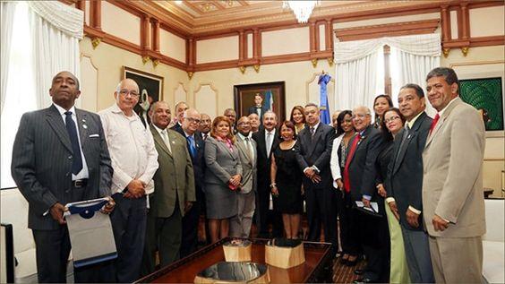 Danilo Medina recibe nueva directiva Colegio Dominicano Periodistas (CDP)