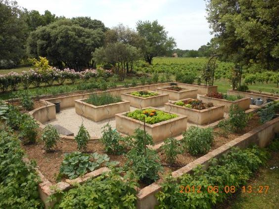 potager sur lev de pierre kitchen vegetable garden