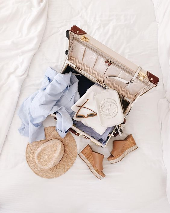 GMG Now - Summer Getaway Packing List http://now.galmeetsglam.com/post/35403/2016/weekend-getaway-packing-list-for-spring/: