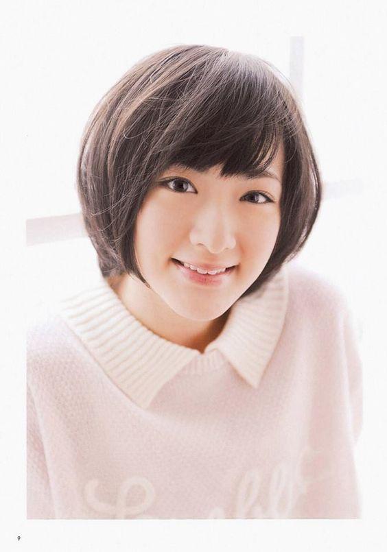 かわいい笑顔の生駒里奈