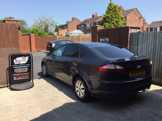 2009 Ford Mondeo in this morning for 18% Carbon tints to the rear.