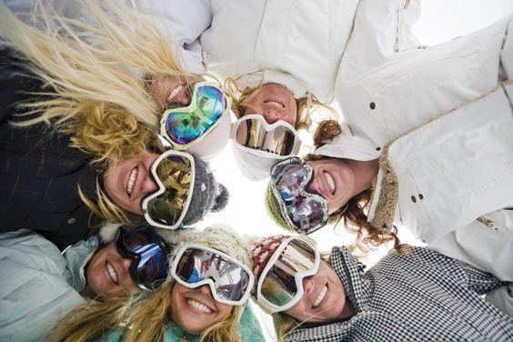 http://static.travelmuse.com/docs/artwork/skiing/skiing-womens-ski-camps-utah-snow-angels-full.jpg
