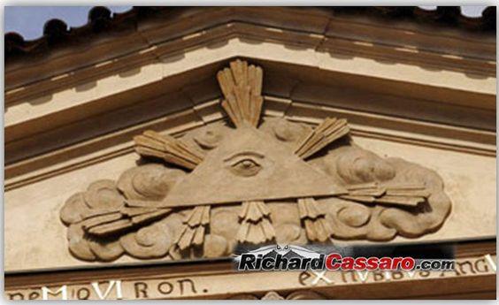 """d """"La pirámide y el ojo"""""""