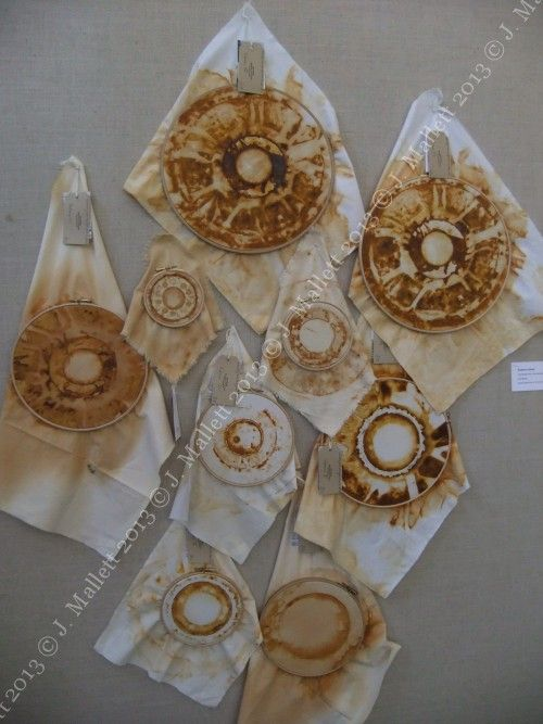 rust dyed fabric displayed in embroidery hoops (www.hengrels.co.uk)