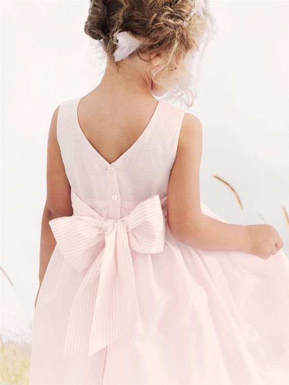 Beautiful mariage and fleur on pinterest for Grosse fille robes mariages