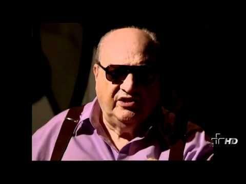 Provocações - A Incapacidade de Ser Verdadeiro (Carlos Drummond de Andrade) - 11/10/2011 - YouTube