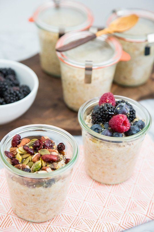 I know you are always looking for healthy, make-ahead breakfasts, and I keep coming back to my all-time favorite: steel-cut oatmeal. With a little forethought and a few Mason jars, you can make enough steel-cut oats for a whole week in just five minutes. The result? Monday through Friday, you have a jar of wholesome oatmeal all ready to go. Pop it in the microwave at work and breakfast is served! Here's how I do it.