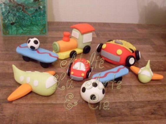 Lindos brinquedos de biscuit, totalmente modelados à mão, feitos para decorar a mesa de aniversário do filho de uma cliente. Ótima idéia para a festa do seu filhinho! O valor é do kit completo, mas vendemos também as peças separadamente. Consulte-nos outros valores, tamanhos e cores.  Se você tem uma idéia, faça um orçamento conosco sem compromisso, será um prazer atender você! R$ 82,68