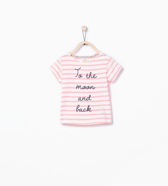Bild 1 von Gestreiftes T-Shirt aus Bio-Baumwolle mit Schriftzug von Zara