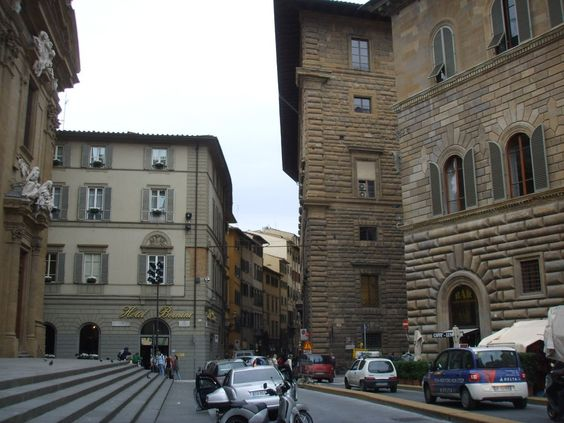 La Via dei Leoni porte son nom du fait du passage d'animaux exotiques dont des lions, symboles de richesse et de curiosité du XIV au XVIème siècle à Florence | chapter 50