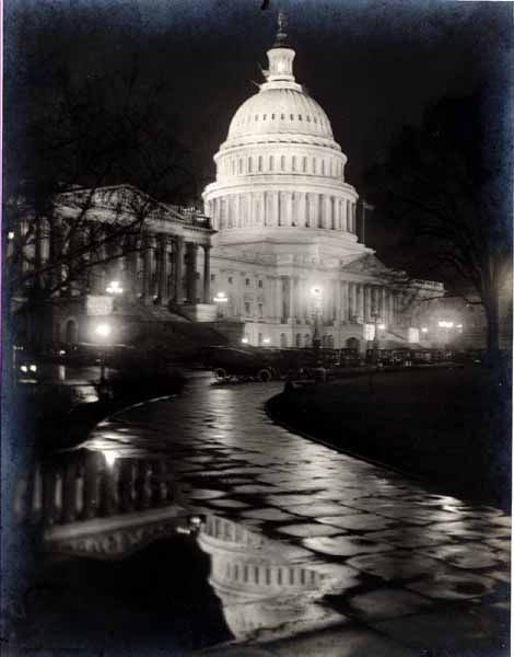CO Buckingham Edition (45.E669GL)    Night view of the Capitol, Washington, USA, 1917. Silver print of time.