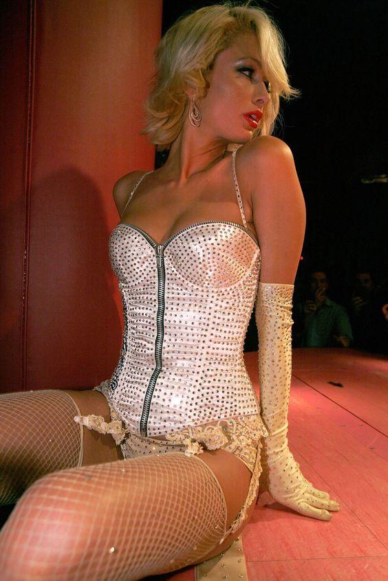 halloween costume burlesque, pin up, saloon girl | Halloween ...