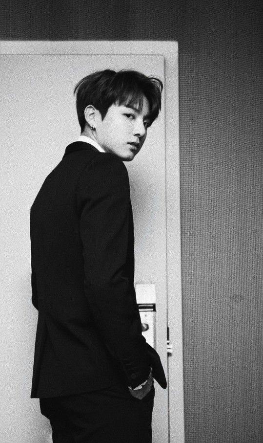 Bts Jungkook Wallpaper Black And White Fotografi Orang Putih Hitam Orang