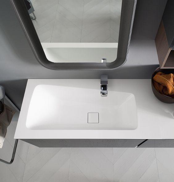 Bagno Suede con finitura legno tinto tortora, legno tinto grigio scuro  http://www.cerasa.it/it_IT/bagni/design/suede/arredamento-bagni-suede-new-44