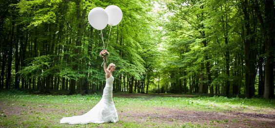 Wedding Photography, bride in the wood with balloons