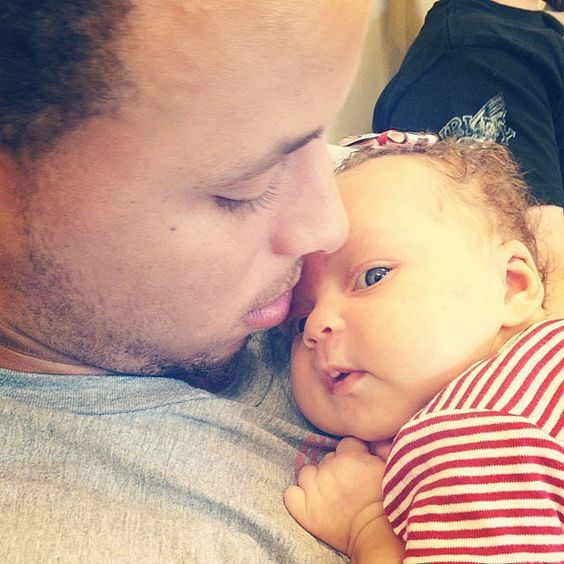 Pictures of Stephen Curry's Family and Daughters | POPSUGAR Celebrity Photo 40