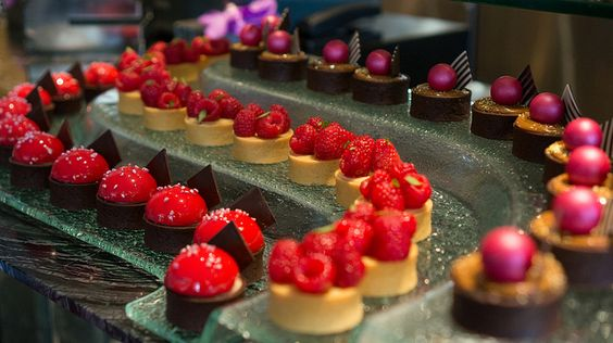Pastry chef Bachour; dessert lines by frodnesor, via Flickr