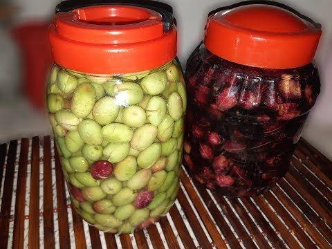 طريقة امي في ترقاد الزيتون تخليل الزيتون Youtube Olive Decorative Jars Jar